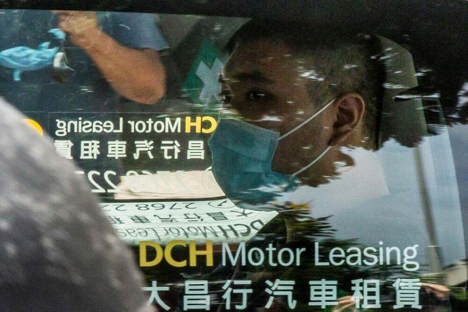 PRVA OSOBA PROTIV KOJE JE PODIGNUTA OPTUŽNICA PO NOVOM ZAKONU U HONGKONGU: Demonstrant osuđen na 9 godina zatvora zbog slogana