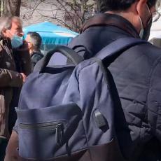 PRVI SNIMCI RAZORNOG ZEMLJOTRESA: Ljudi na ulicama, ne znaju šta se dešava, sve se trese (VIDEO)