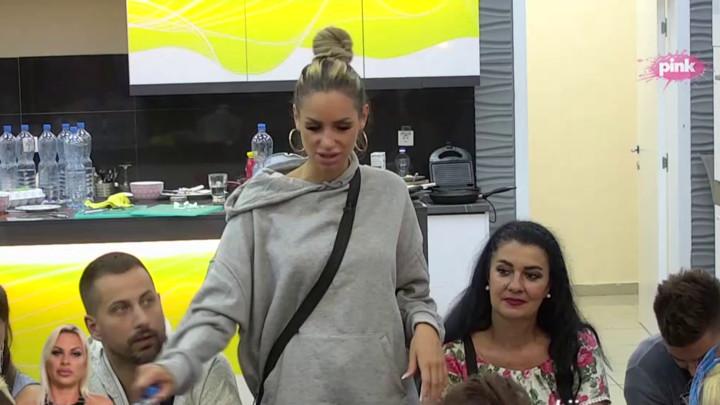 PUCAŠ NA DVA FRONTA: Jelena Krunić optužila Ivu da igra igru sa Tomovićem i Karićem, Vladimir poručio Grgurićevoj da je DRMA SUJETA! (VIDEO)