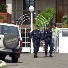 PUN FRIŽIDER BOŽIJE DROGE: Policija pronašla SMRTONOSNI OPIJAT! FATALAN PO ŽIVOT!