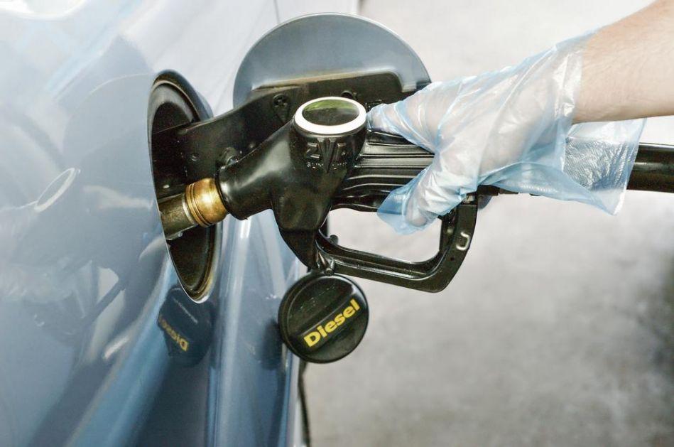 PUN REZERVOAR U SRBIJI 7.100 DINARA, A U CRNOJ GORI 48 EVRA: Zašto je gorivo kod nas gotovo najskuplje u regionu!?