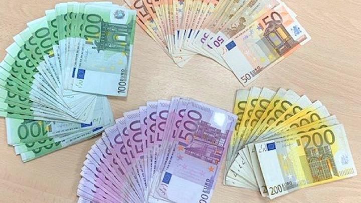 PUNE RUKE POSLA ZA CARINIKE NA GRANICAMA: U četiri prekršaja i za samo dva dana zaplenili čak 100.000 evra!