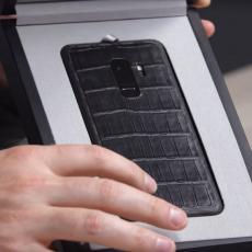 PUNI STE KAO BROD? Pogledajte NAJSKUPLJI Samsung Galaxy S9+! (VIDEO)