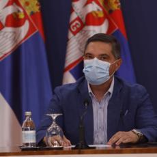 KAPACITETI BOLNICA KAO I LEKARA SU NA IZDISAJU Dramatično upozorenje dr Lađevića: Potreban je prekid kontakata