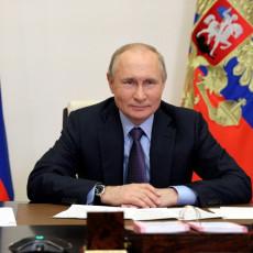 PUTIN ČESTITAO SUNARODNICIMA VELIKI PRAZNIK: Današnji praznik ima ogroman značaj za sve Ruse