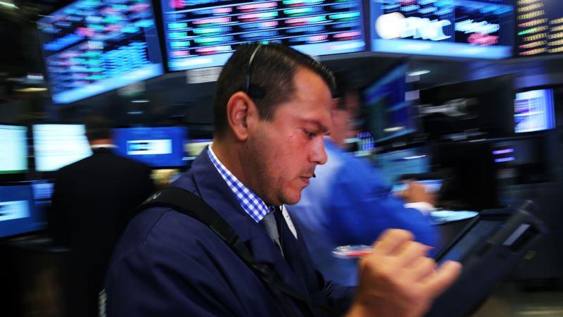 Pad akcija na Volstritu, strahuje se od moguće recesije