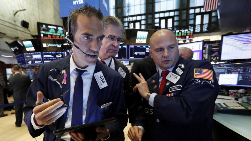 Akcije na Volstritu pale za tri odsto, strahuje se od moguće recesije