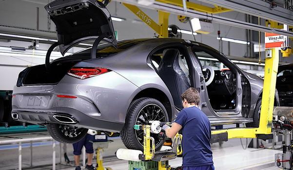 Pad novoregistrovanih vozila u Nemačkoj iznosi 61 odsto