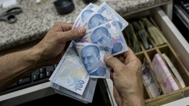 Pad turske lire, Erdogan poziva građane da menjaju zlato i dolare