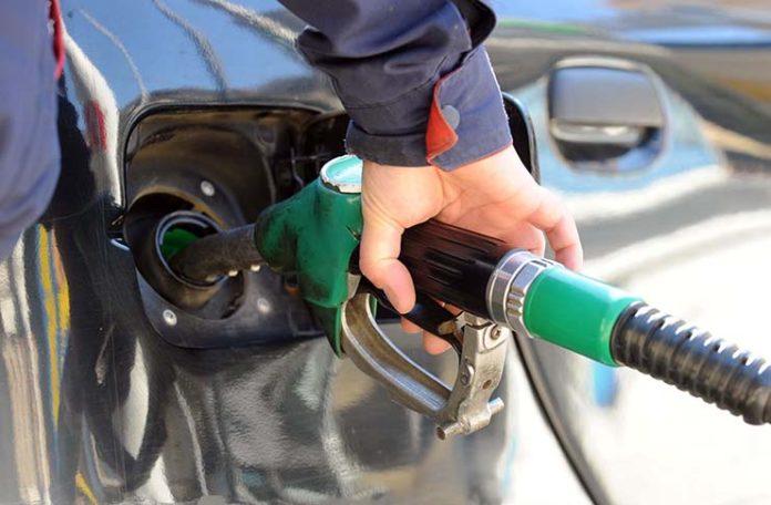 Padaju cijene goriva i do 10 feninga po litru