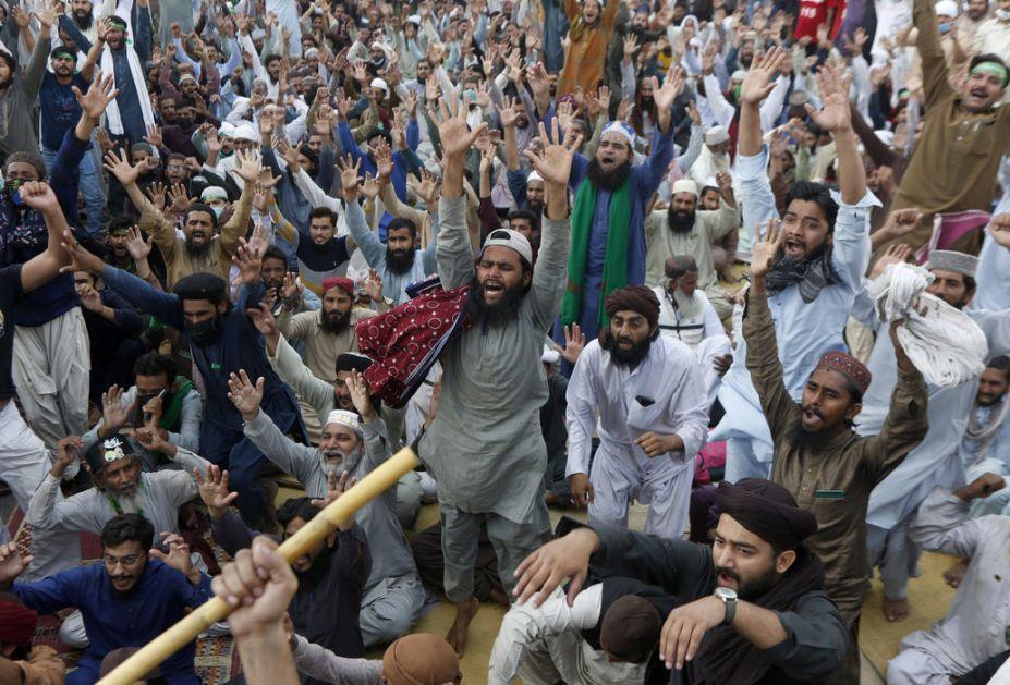 Pakistan: Islamisti oslobodili 11 zatočenih policajaca