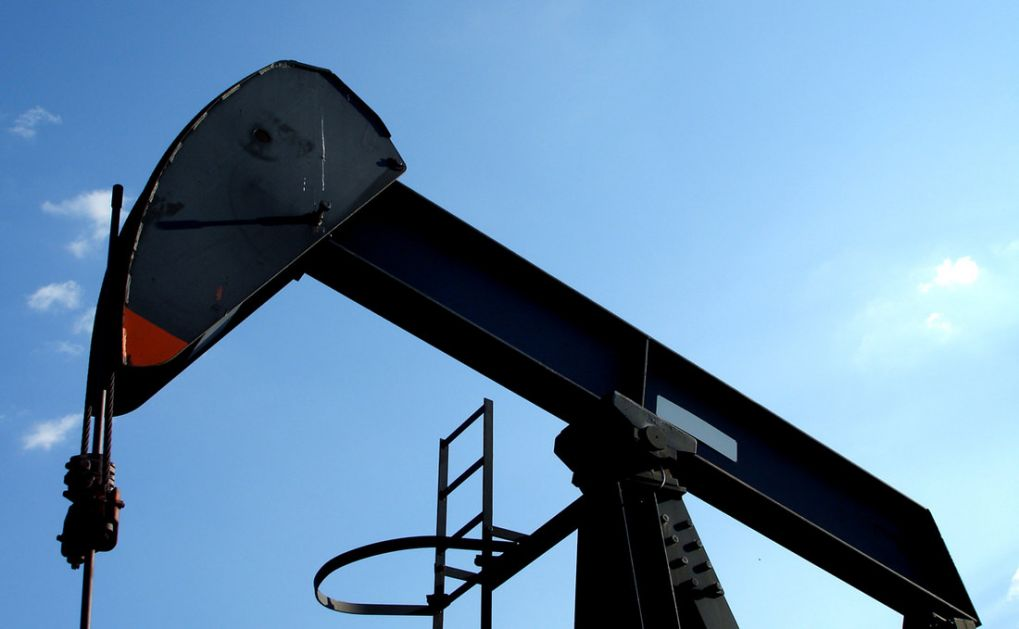 Pale zaliha nafte u SAD, cene na petomesečnom maksimumu