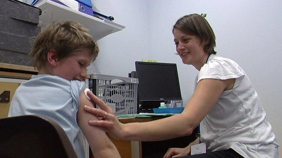 Pandemija i zdravlje: Vakcina protiv gripa – da li je bezbedno primiti je uz Kovid vakcinu
