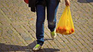 Pandemija ruši zabranu korišćenja plastičnih kesa