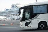 Panika u Japanu: Putnici karantin kruzera počeli da se iskrcavaju