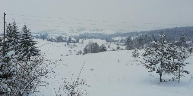 """Pao snijeg do kolena, negde i preko metar; """"Ponovo je totalna snježna blokada"""""""