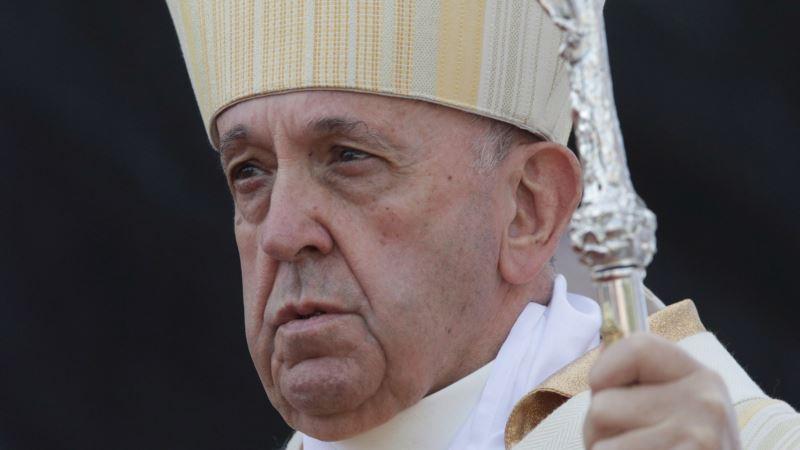 Papa izabrao 13 kardinala