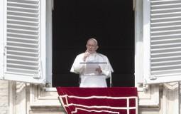 Papa oduzeo sva verska prava američkom kardinalu zbog seksualnog zlostavljanja
