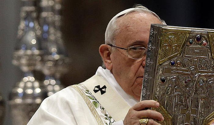 Papa pominjao psihijatriju kada je pričao o gejevima, Vatikan morao da reaguje