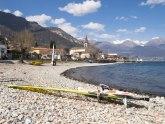 Papreno kažnjeni: Sunčali se goli na plaži, narušavali dostojanstvo javnosti