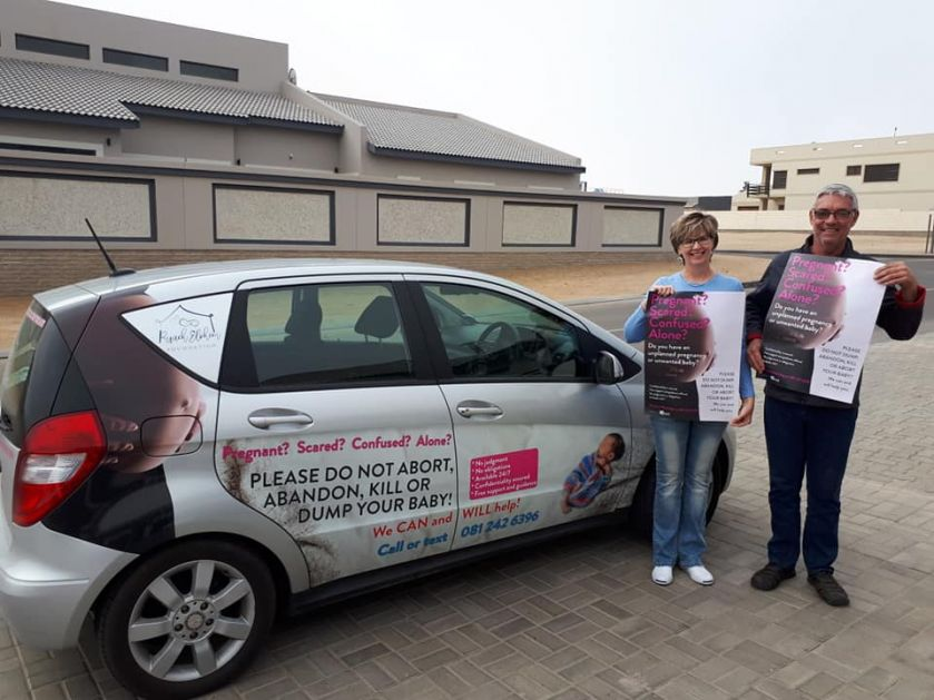 Par iz Južne Afrike osnovao organizaciju za zbrinjavanje ostavljene dece!