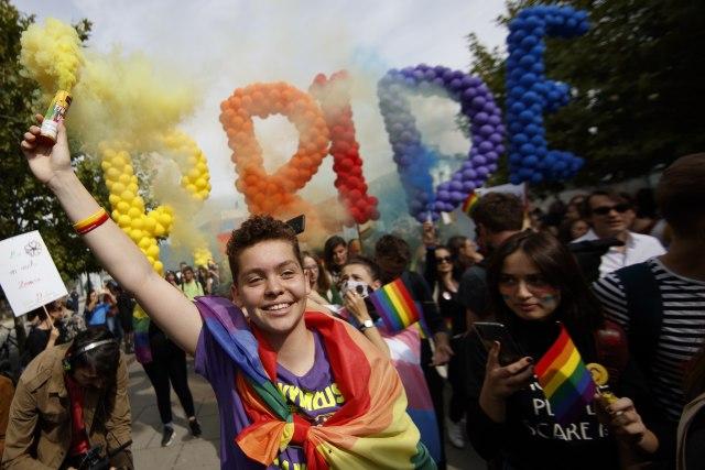 Parada ponosa u Prištini održana bez incidenata