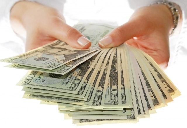 Pare, pare i samo pare: Šta vam prvo pada na pamet kad pomislite na kupovinu?
