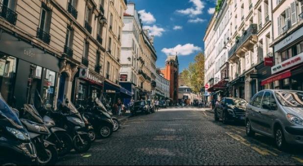 Pariz će od motociklista tražiti da plaćaju parking od sledeće godine
