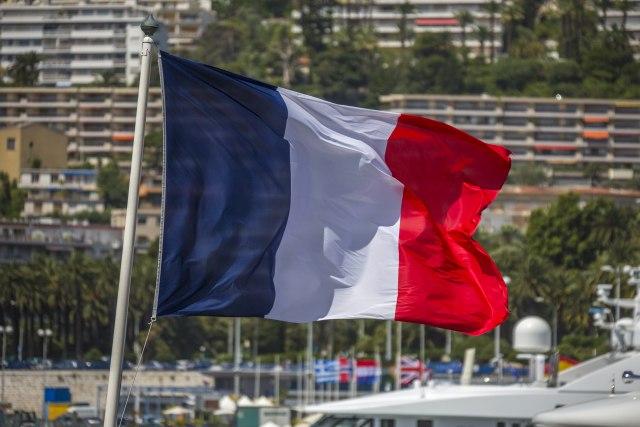 Pariz ne treba da traži rešenje za KiM dok ne povuče priznanje