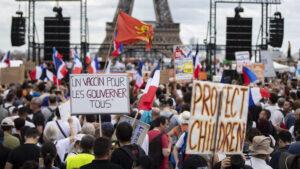 Parižani protestuju protiv kovid propusnica