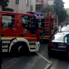 Parking servis raskrčio put vatrogascima (FOTO)