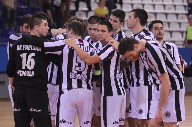 Partizan pobedio Zvezdu i ostao bez trenera!