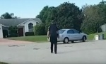 Pas na Floridi ubacio automobil u rikverc i vozio sat vremena (VIDEO)