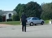 Pas ubacio automobil u rikverc i vozio sat vremena (VIDEO)