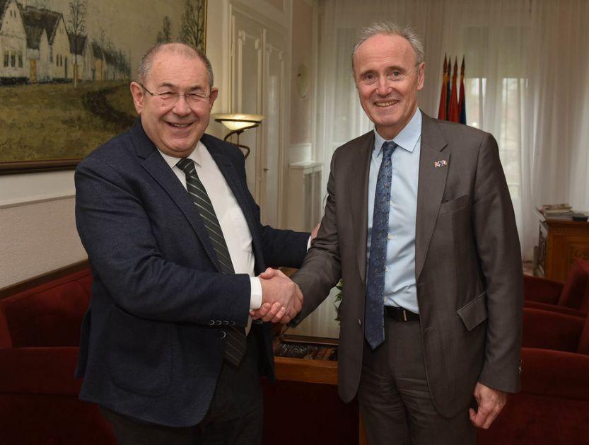 Pastor sa ambasadorom Francuske o produbljivanju saradnje
