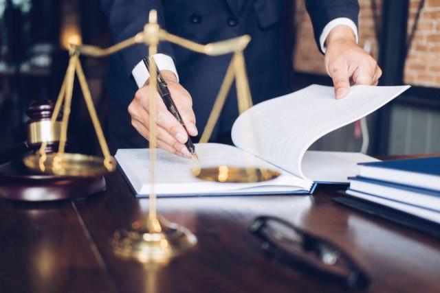 Pazite kome se obraćate za pomoć: Neki advokati od udruženja otkupljuju tužbe protiv banaka