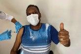 Pele vakcinisan  izašao iz kuće posle godinu dana