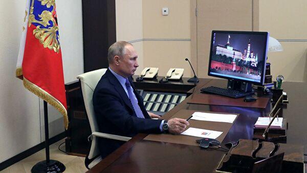 Peskov: Predsednik Putin ovih dana radi na daljinu
