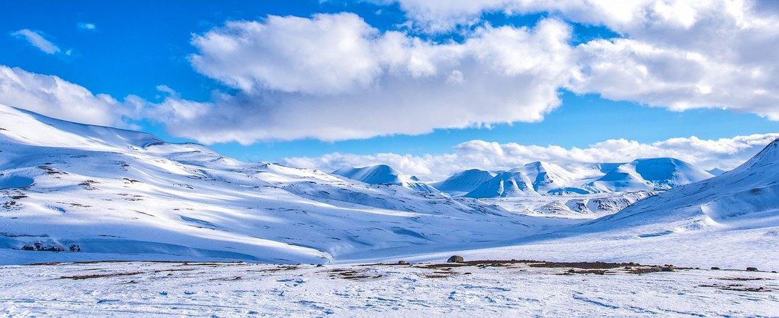 Pet alpinista stradalo na planini Elbrus