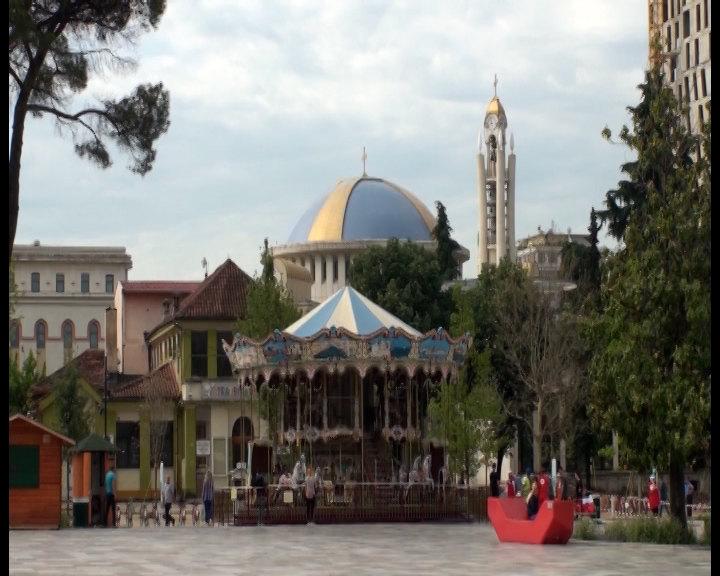 Pet osoba povređeno u džamiji u centru Tirane