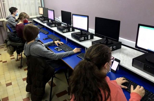 Peta godina projekta Telekoma Srbija: Građani odlučuju gde stižu školski informatički kabineti