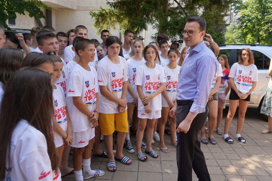 Petković deci sa Kosova i Metohije: Želimo da vam omogućimo dostojan život