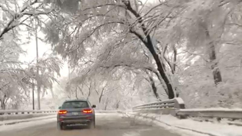 Petoro stradalih u snežnoj oluji u SAD