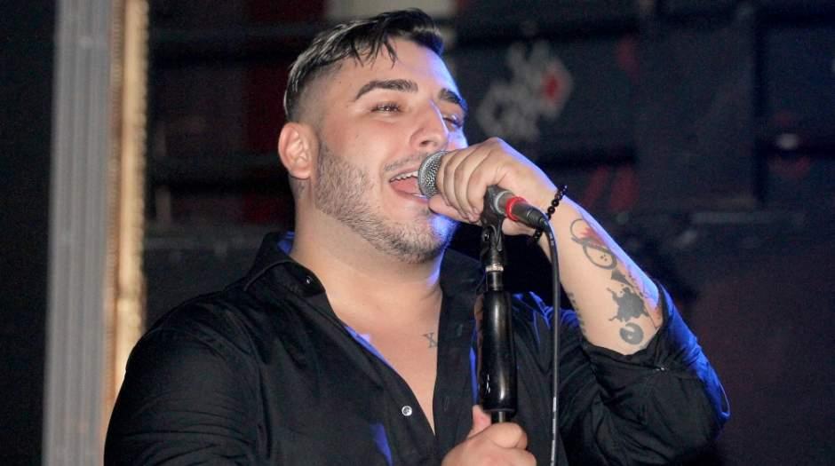 Pevač na aparatima: Nije bio vezan, tumbao se u kolima