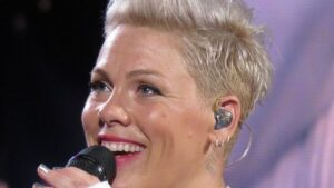 Pevačica Pink podržala norveške rukometašice koje neće bikini