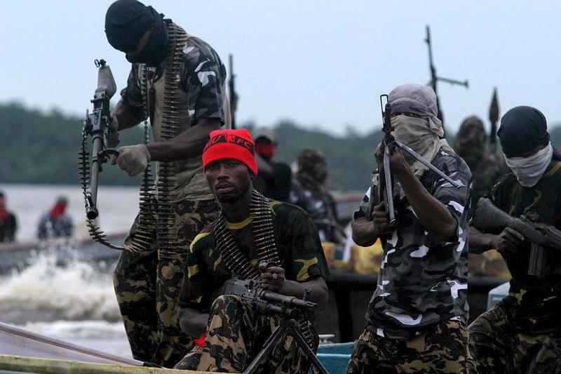 Pirati oteli tanker sa 19 članova posade kod Nigerije