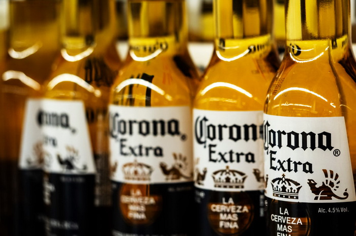 Pivo Corona na gubitku 132 miliona funti nakon izbijanja korona virusa