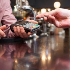 Plastične platne kartice odlaze u zaborav? Interesovanje za digitalne valute sve veće!