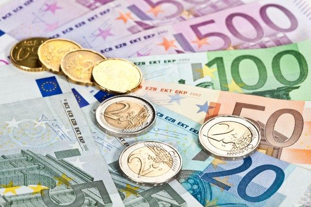 Plate u Crnoj Gori neće rasti naredne tri godine, biće čak i manje