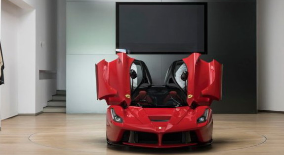Platio 2,1 milion evra Ferrari koji ne sme da se vozi